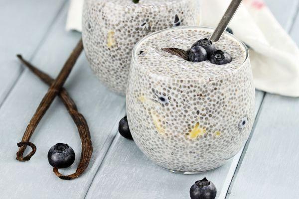 Recetas con semillas de chia. Cómo preparar pudines con chía. Ingredientes para hacer pudines con semillas de chía. Pudines caseros con chía