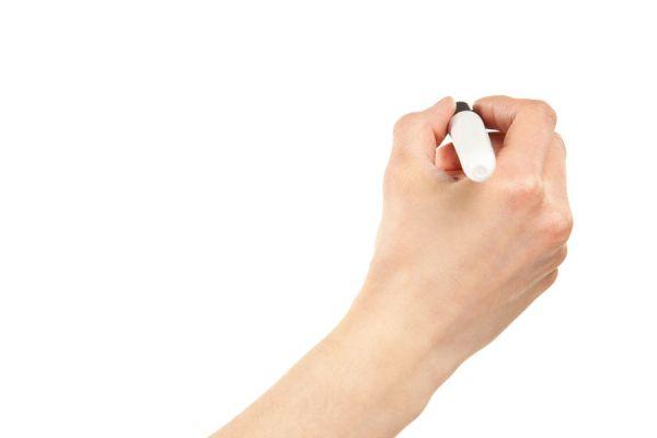 Cómo hacer un lápiz para blanquear telas. Cómo decorar telas escribiendo mensajes con un lapiz blanqueador. Cómo hacer un gel blanqueador casero