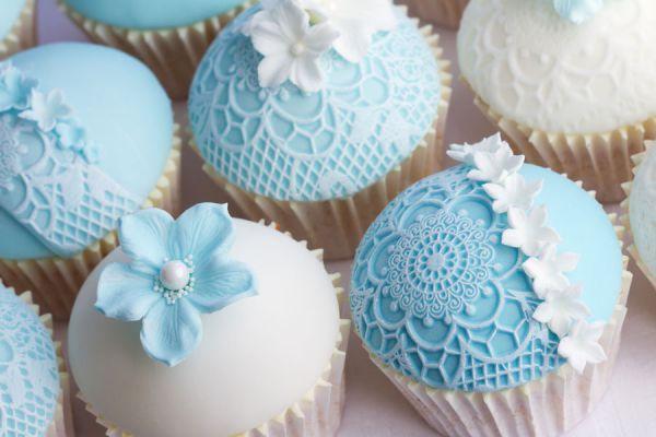 Encaje de azúcar comestible para decorar tortas. Ingredientes y preparación del encaje de azúcar comestible. Haz tu propio encaje comestible