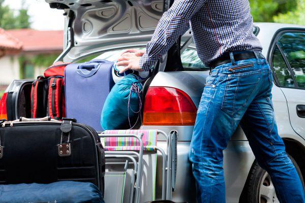 Cómo hacer que las maletas sean más livianas. Tips para evitar cargar con mucho peso en la maleta. Guía para alivianar el equipaje en un viaje