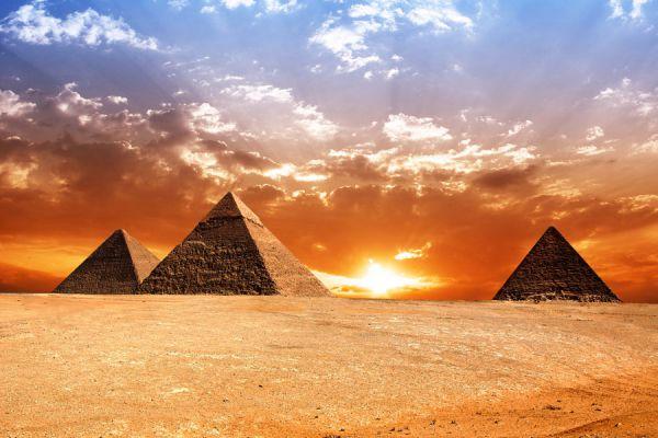 Turismo histórico para tus vacaciones. Cómo hacer turismo historico en un viaje. Destinos para hacer turismo histórico