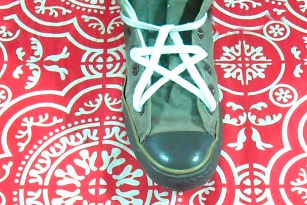 Como atar los cordones con nudo estrella. Formas de atar los cordones del calzado, nudo estrella. Nudo para atar el calzado con forma de estrella