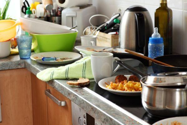 Claves para liberar las malas energías en casa. Pasos para evitar las energías negativas en el hogar. Cómo liberar las malas energías de tu casa
