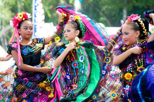 Consejos para hacer un viaje cultural. Tips para descubrir la cultura  de otro país en vacaciones. Aprende sobre la cultura de otro país al viajar
