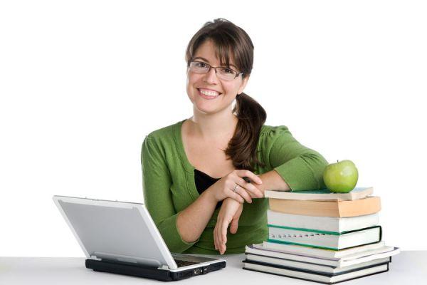 Cómo encontrar cursos online por internet. Tips para buscar cursos online. Claves para elegir un curso online. Cursos para estudiar por internet