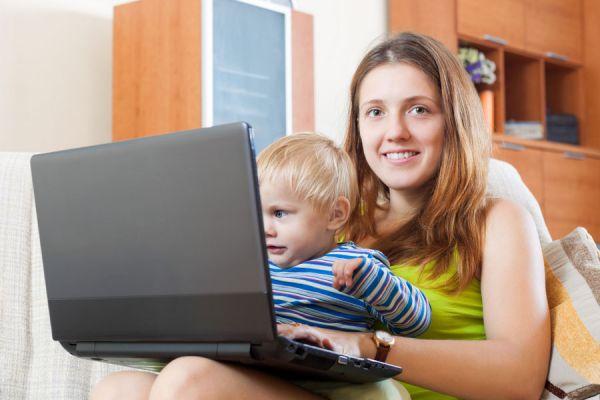 Claves para ser madres y emprendedoras. Cómo ser madres y emprendedoras al mismo tiempo. Consejos para mamás que también son emprendedoras