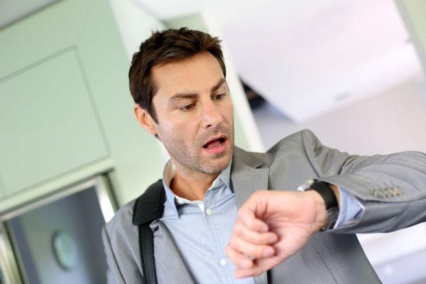 Cómo evitar llegar tarde. Consejos para llegar a tiempo a las reuniones. Tips para no llegar tarde a una reunión