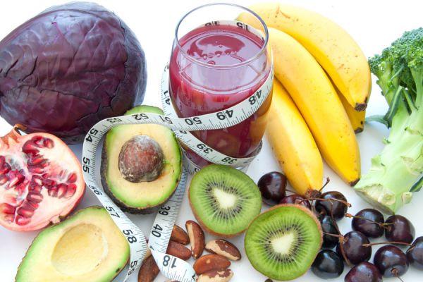 5 recetas de batidos para perder peso. Cómo adelgazar consumiendo batidos. Batidos de frutas para perder peso. Licuados para bajar de peso