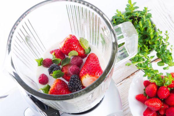 5 recetas de batidos para bajar de peso. Cómo perder peso con batidos de frutas. Batidos de verduras para perder peso