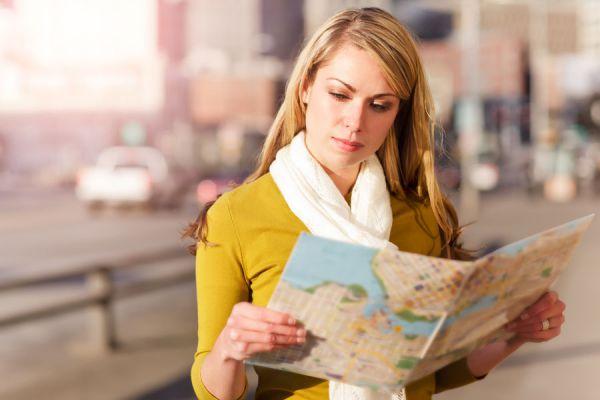 Las mejores universidades para estudiar turismo. Por qué estudiar turismo? Donde estudiar la carrera de turismo. Licenciatura en turismo en españa