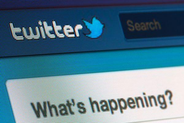 Trucos para buscar trabajo por twitter. cómo conseguir empleo por twitter. claves para buscar trabajo por twitter.