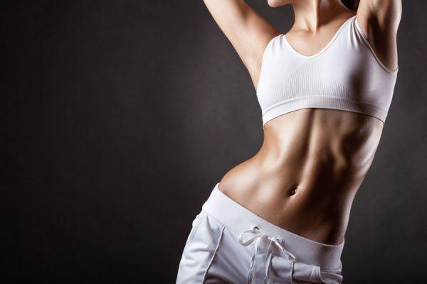 Cómo lucir buenos abdominales en poco tiempo. Consejos para marcar los abdominales. Rutina de ejercicios y dieta para lucir abdominales marcados