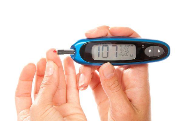 Alimentación para bajar los niveles de azúcar. Dieta saludable para reducir la cantidad de azúcar en la sangre. Bajar niveles de azúcar en sangre