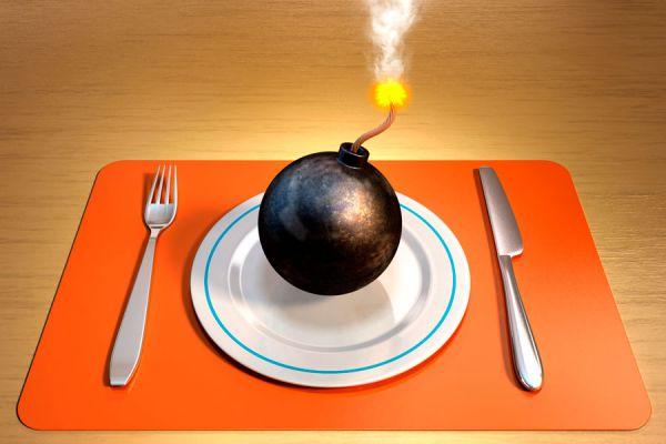 Lista de alimentos cancerígenos que debes evitar. Alimentos que pueden producir cáncer. Algunos alimentos potencialmente cancerígenos