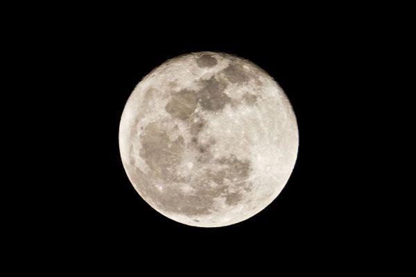 Ritual de abundancia en luna llena. Ritual simple para atraer dinero. Guía para hacer un ritual en luna llena y atraer dinero