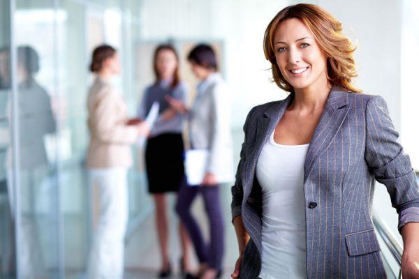 Qué prendas usar siendo emprendedora. Cómo elegir la vestimenta si eres emprendedora. Cómo vestir bien siendo emprendedora