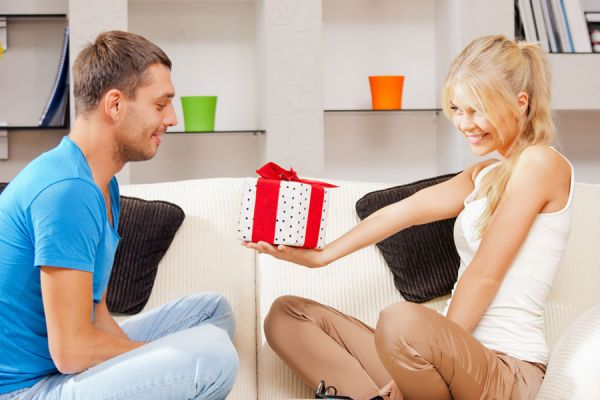 Sorpresas para darle a tu pareja. Pequeños gestos románticos para sorprender a tu pareja. 6 ideas romanticas para sorprender a tu pareja