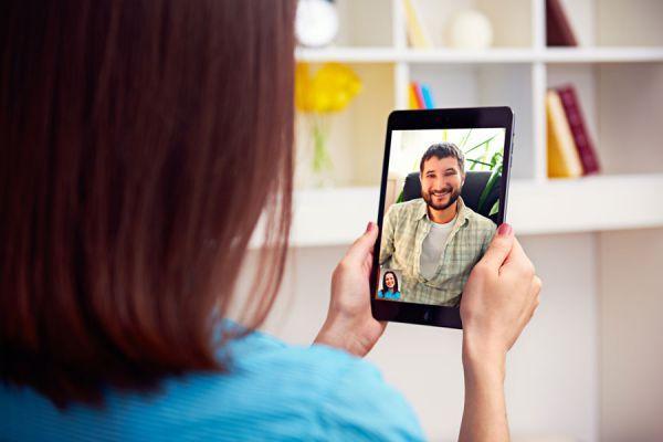 Claves para usar los sitios de citas por internet. Consejos de seguridad al usar páginas para encontrar pareja. Redes sociales para encontrar pareja