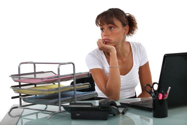 Cómo evitar sentirte mal al regresar al trabajo. Síntomas del síndrome post vacacional. Cómo lidiar con el síndrome post vacacional