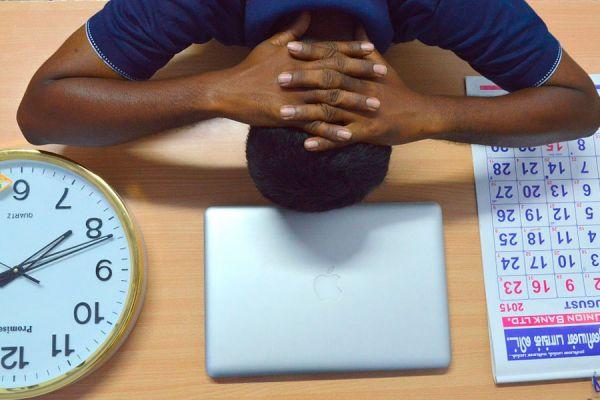 Cómo dejar los hábitos negativos que te impiden avanzar. Claves para dejar malos hábitos. Consejos para abandonar los malos hábitos