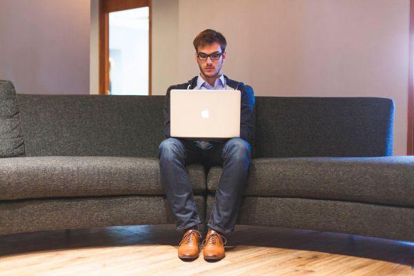 Ventajas de ser introvertido en los negocios. Consejos para promocionarse siendo introvertido. Cómo promocionarte si eres introvertido