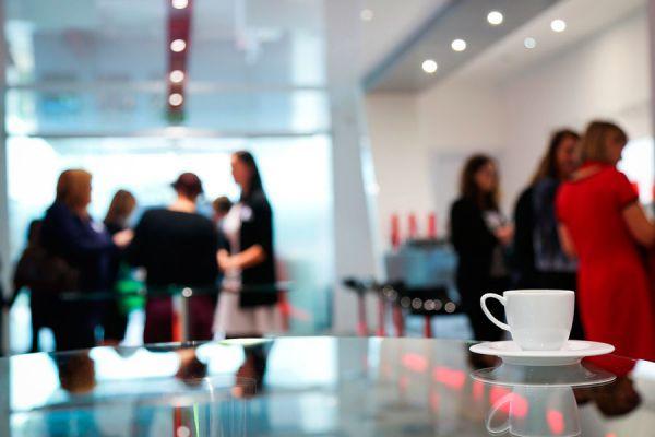 Características de los introvertidos en los negocios. Cómo promocionarte si eres introvertido. Tips para autopromocionarte si eres introvertido