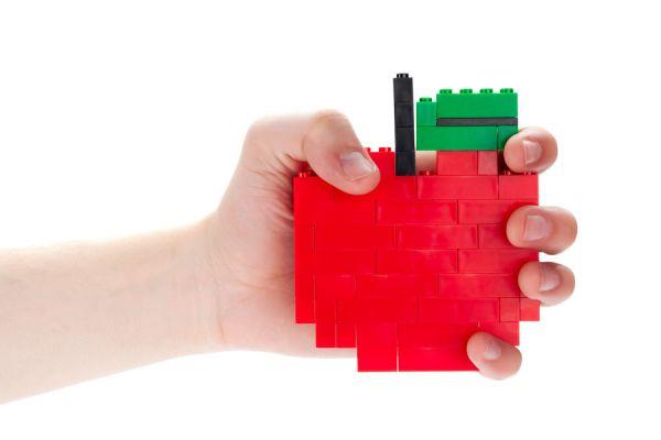 Manualidades para hacer con legos. Objetos decorativos y funcionales con legos. Cómo hacer decoraciones con legos.