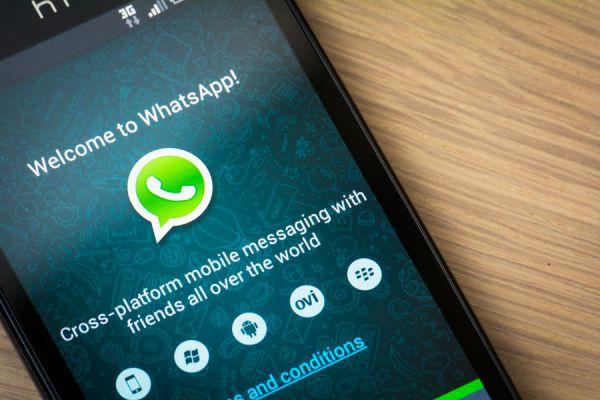 Dos funciones para configurar la privacidad en whatsapp. Trucos para una mayor privacidad al usar whatsapp. Tips de privacidad en whatsapp