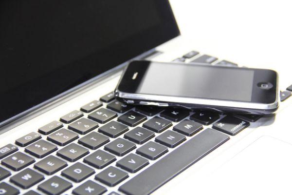 Tips para limpiar una notebook. Cómo limpiar un movil. Pasos para la limpieza de los dispositivos electrónicos. Cómo limpiar gadgets electrónicos