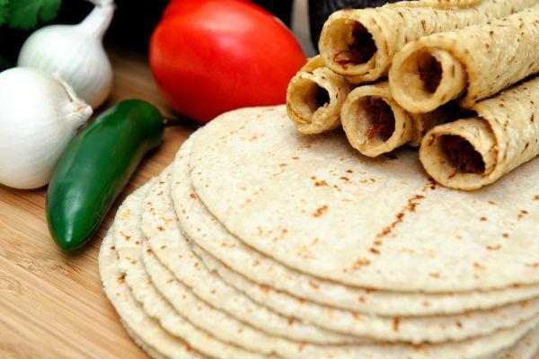 Cómo preparar tortillas de trigo. Ingredientes y preparación para hacer tortillas de trigo. Cómo cocinar tortillas de trigo y hacer tacos o burritos