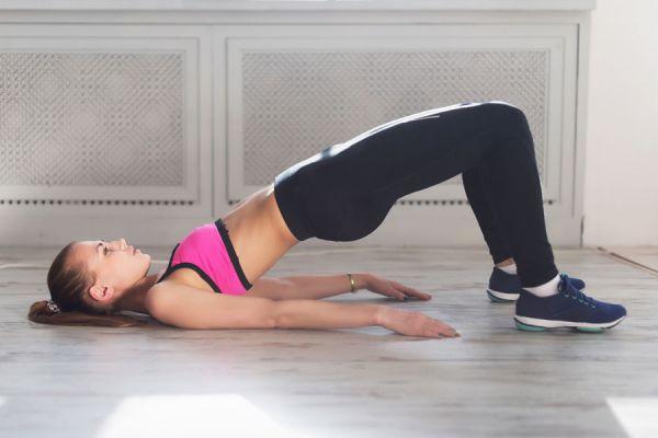 Cómo afirmar los glúteos con solo un ejercicio. Método para afirmar glúteos y piernas. Ejercicios para afirmar los glúteos en casa