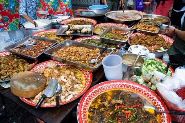 Tips para probar muchas comidas en un viaje sin indigestión. Cómo probar muchas comidas durante las vacaciones en otro pais