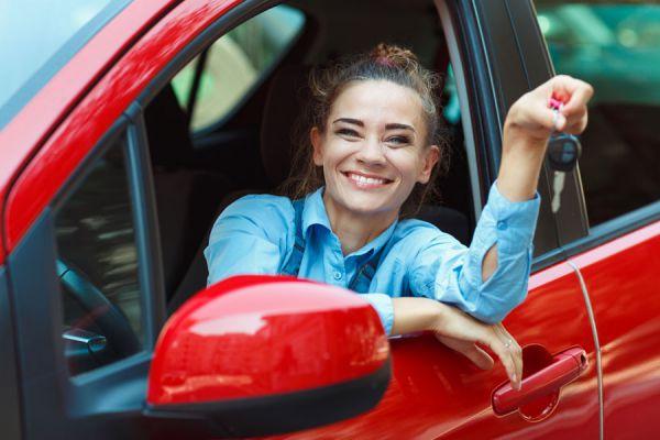 Claves para alquilar un coche para tus vacaciones. Cómo hacer un viaje con un coche rentado. Alquiler de coches para las vacaciones