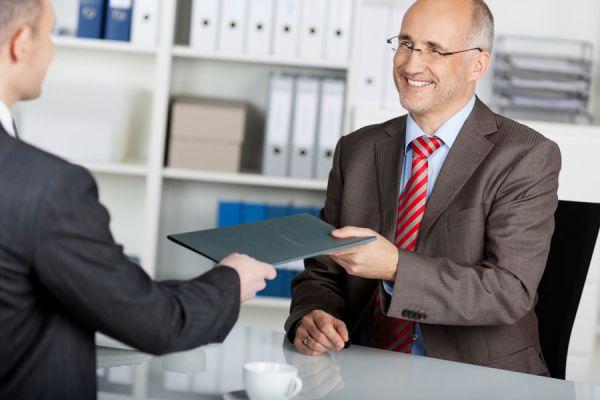 Tips para detectar mentiras en un CV. Claves para saber si un postulante miente en su CV. Consejos para detectar mentiras en el CV