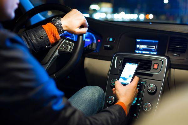 Apps útiles para conductores. Aplicaciones sobre coches para iphone. Las mejores aplicaciones útiles para conductores.