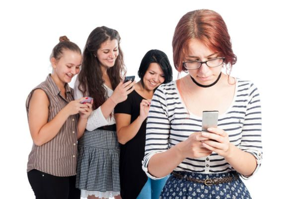 Consejos para prevenir el acosos por internet. Tips para evitar ser víctima de ciberacoso. Cómo actuar ante casos de cyberbullying