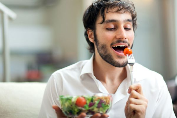 Beneficios de comer más despacio. La importancia de comer lento. Trucos para comer más lento. Aprender a comer más despacio