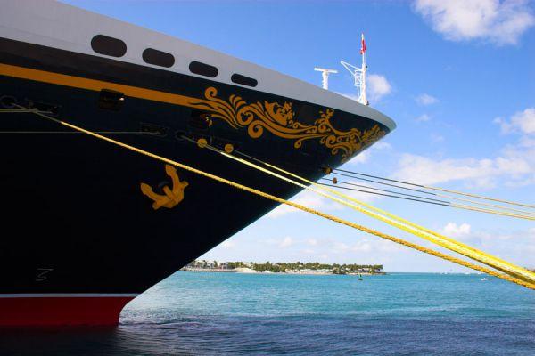 Qué es el crewing? Trabajar y viajar en un crucero. Requisitos para trabajar en un crucero. Consejos para elegir un trabajo en un crucero