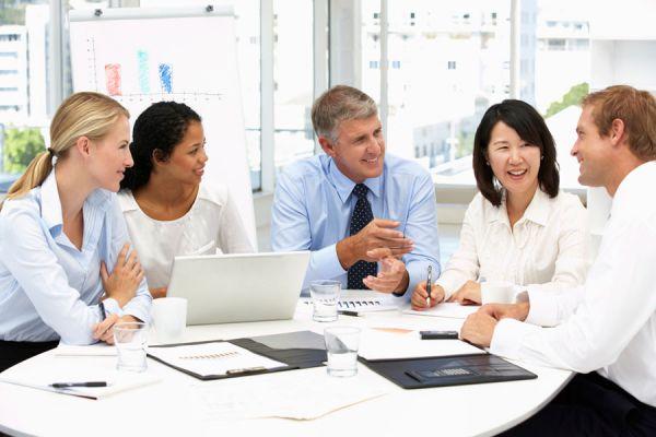 Claves para mantener felices a los empleados. Beneficios de tener empleados felices. Cómo lograr que tus empleados sean felices