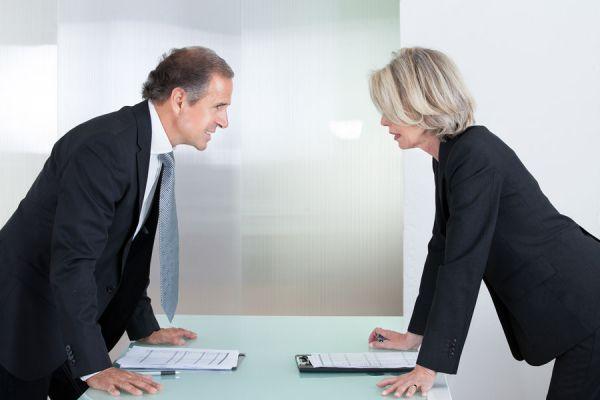 Cambiar un mal clima laboral. Tips para superar un mal ambiente de trabajo. Claves para mejorar un mal ambiente laboral.