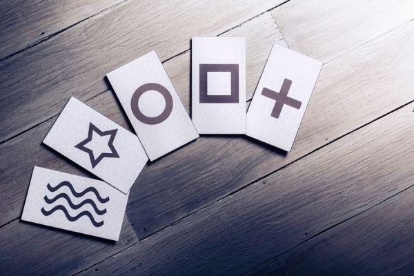Usos de las cartas zener para potenciar la mente. Cómo ejercitar los poderes mentales con las cartas zener. Guía para usar las carta zener