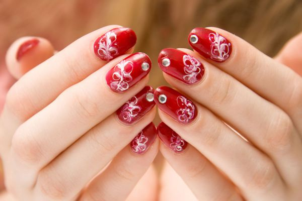 Tipos de manicura para tus manos. Técnicas de manicura para embellecer tus manos y uñas. Diferencias entre los distintos tipos de manicura