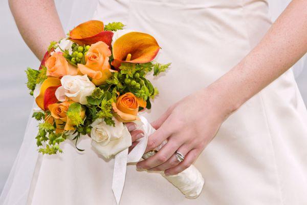 Ideas para escoger las flores para regalar. Cómo elegir las flores para hacer un regalo. Regalar flores y ramos.