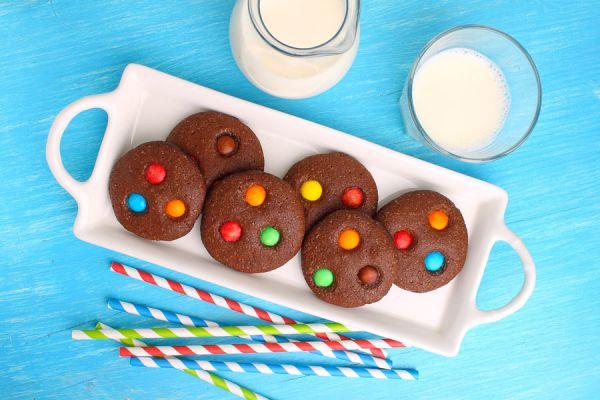 Frascos con mezclas de galletas para regalar. 3 recetas para hacer mezclas de galletas listas para cocinar. Preparación de mezclas de galletas