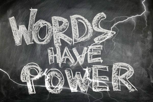 Palabras positivas que deberías usar. Beneficios de decir palabras positivas. Ventajas de incorporar palabras positivas a tu léxico