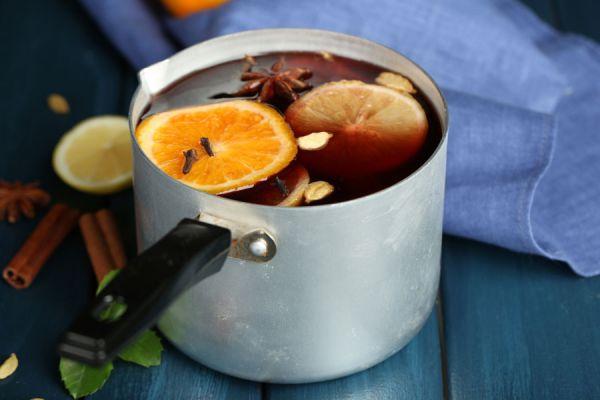 Ingredientes para hacer aromatizantes caseros. 6 recetas para preparar aromatizantes en casa. cómo hacer aromatizantes a base de agua