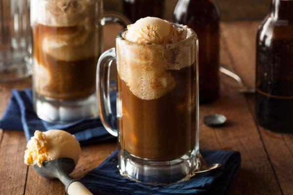 Ingredientes y preparación del helado de cerveza casero. Guía para preparar helado de cerveza en casa. Cómo hacer tu popio helado casero de cerveza