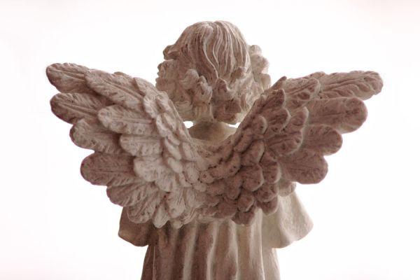 Conoce las jerarquías de los ángeles. Los tipos de ángeles y sus jerarquías. Diferencias entre angeles, querubines y otros seres espirituales