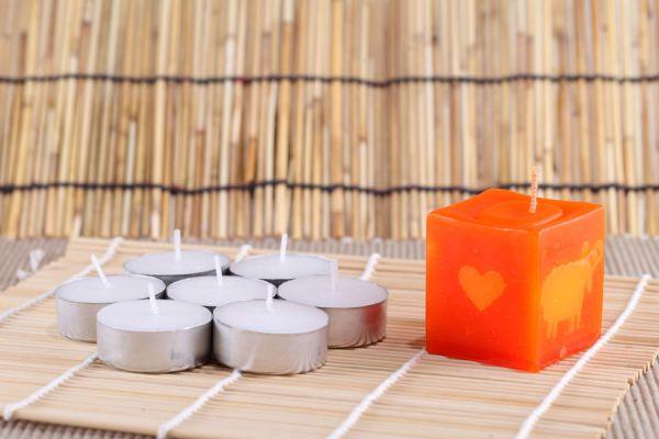 Cómo sorprender a tu pareja con velas con mensajes ocultos. Mensajes secretos guardados en una vela.