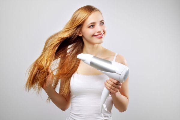 Tratamientos caseros para aclarar el pelo rubio. Cómo mejorar el cabello rubio de forma natural. Remedios caseros para aclarar el cabello rubio